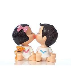 Lilone Beautiful Kissing Couple Showpiece
