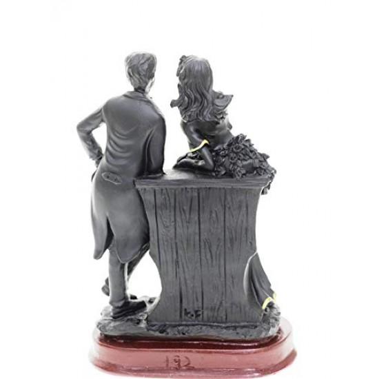 Lilone Romantic Couple Statue Showpiece Gift for Valentine, Birthday , Anniversary and Home Décor (Black)